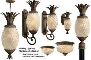 Hinkley Lighting Pineapple Shaped Plantation Outdoor Collection in Pearl Bronze finish has Inside Etched Amber Glass