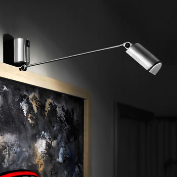 Lumina Daphine Parete Swing Arm Wall Lamp Wall fixture in metal with an articulated arm and a diffuser pivoting on 360°. Electronic transformer.