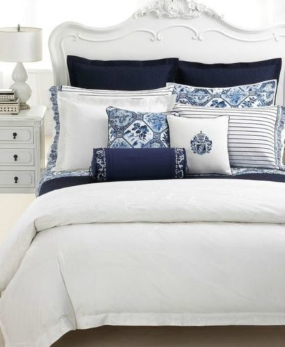 Ralph Lauren Palm Harbor coordinates with other Ralph Lauren patterned and solid bedding in rich navy and deep white.