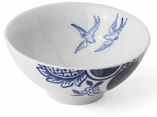 The rice bowl with the Blue Willow birds inside - Loveramics Willow Love Story Pattern Dishes - My design42