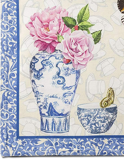 Detail on front of Maison d' Hermine Canton Placemats