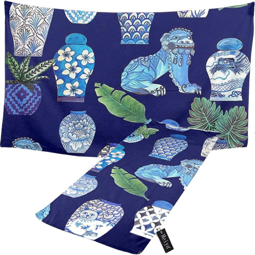 Blue and White Chinoiserie Foo Dogs and Ginger Jars Towels