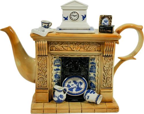 Paul Cardew Blue Willow Hearth Teapot