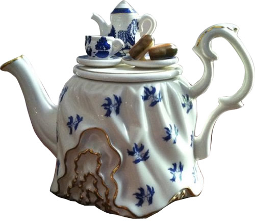 Paul Cardew Blue Willow Tea Table Teapot