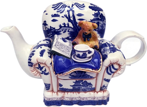 Paul Cardew Royal Doulton Real Old Willow Winter Arm Chair Teapot with Teddy Bear, Book, Teacup and Saucer