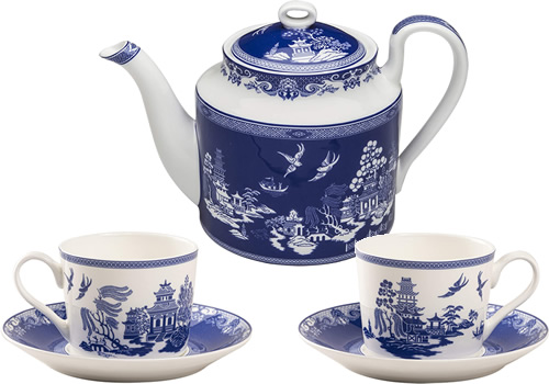 Grace Teaware Reverse Blue Willow Bone China 4-cup Teapot, Tea Cups and Saucers