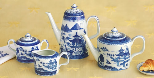 Mottahedeh Blue Canton Coffeepot, Teapot, Creamer and Sugar Bowl with Lid