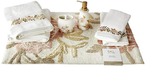 SKL HOME by Saturday Knight Ltd. Misty Floral Full Bath Splash Box Set - 7 Pieces Includes: Lotion/Soap Dispenser, Rug, 2 Hand Towels, 2 Bath Towels, Toothbrush Holder
